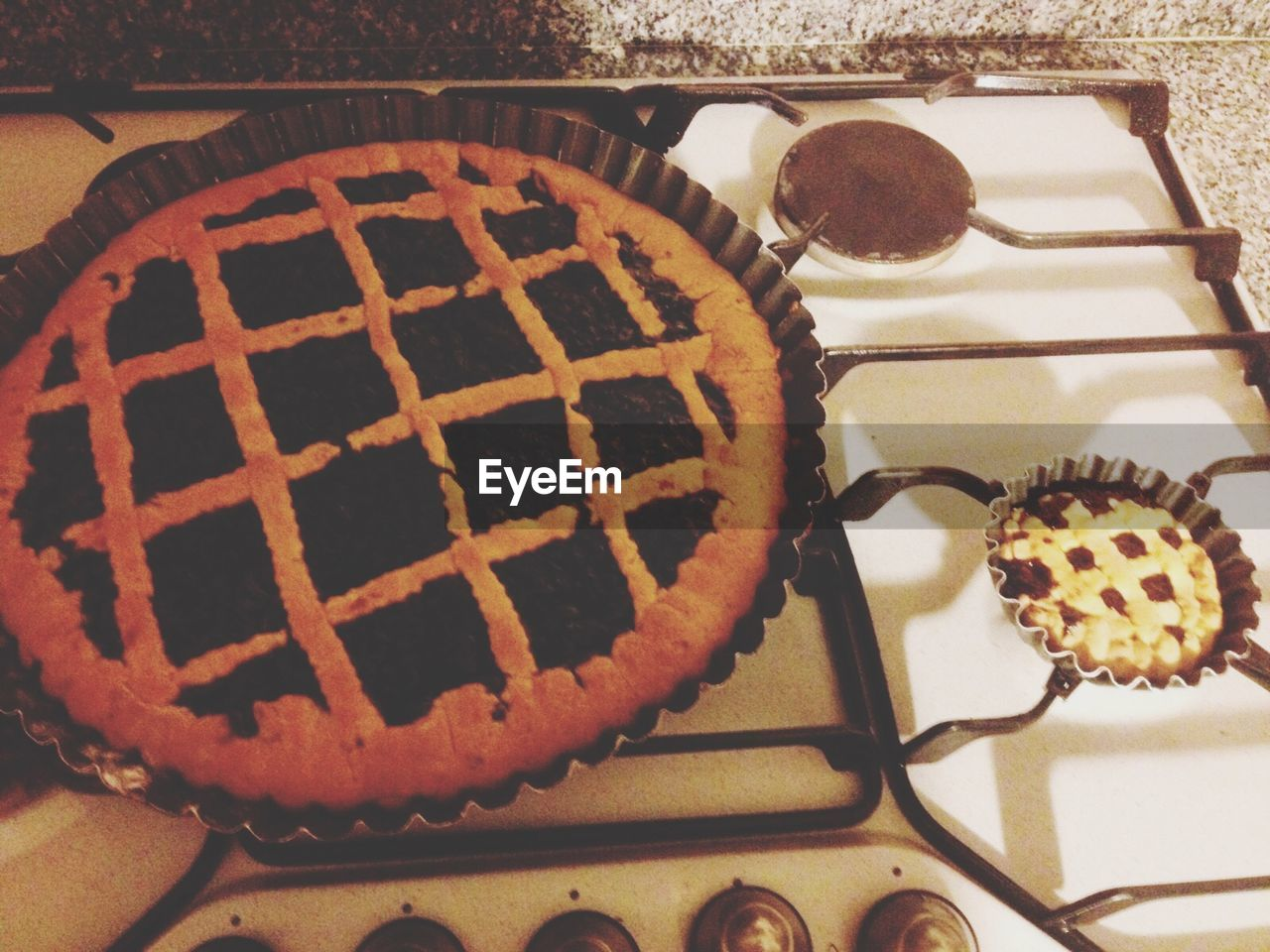 sweet food, food and drink, indulgence, food, dessert, temptation, freshness, cake, ready-to-eat, indoors, table, baked, still life, unhealthy eating, no people, pie, dessert topping, plate, close-up, homemade, sweet pie, day