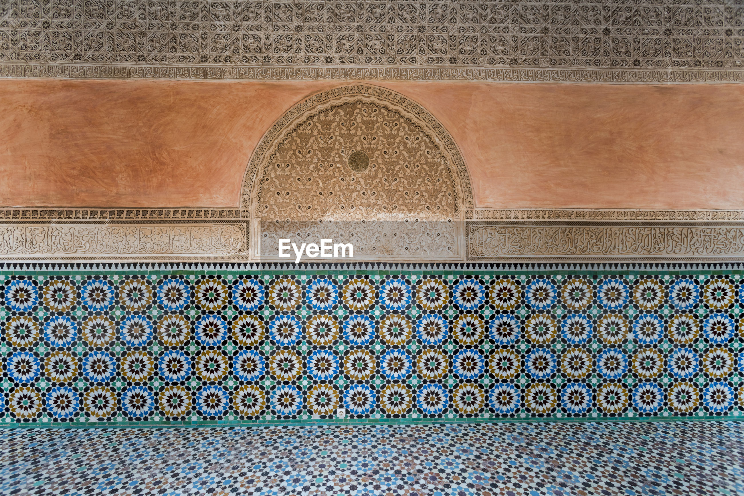 VIEW OF PATTERNED WALL OF BUILDING