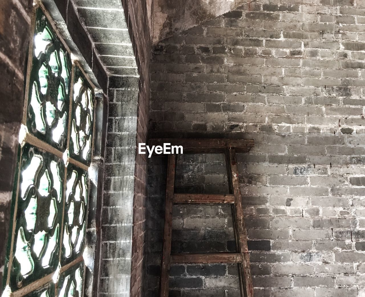 steps, steps and staircases, staircase, brick wall, architecture, spiral, built structure, railing, no people, stairs, day, outdoors
