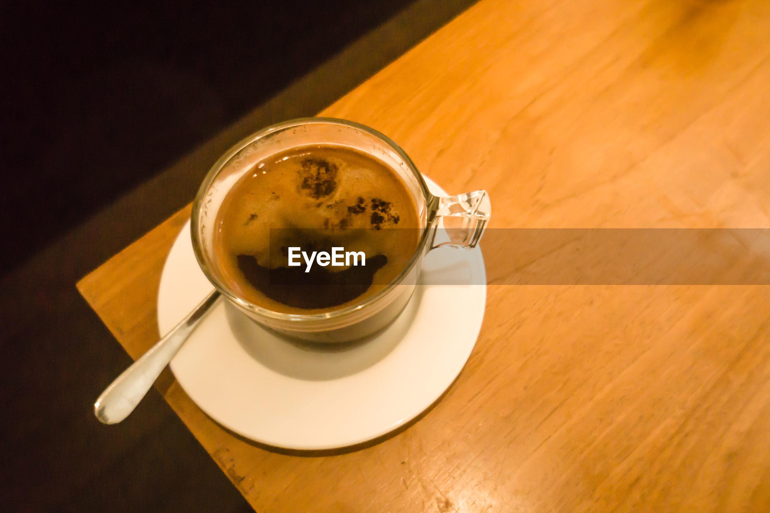 HIGH ANGLE VIEW OF COFFEE WITH TEA ON TABLE