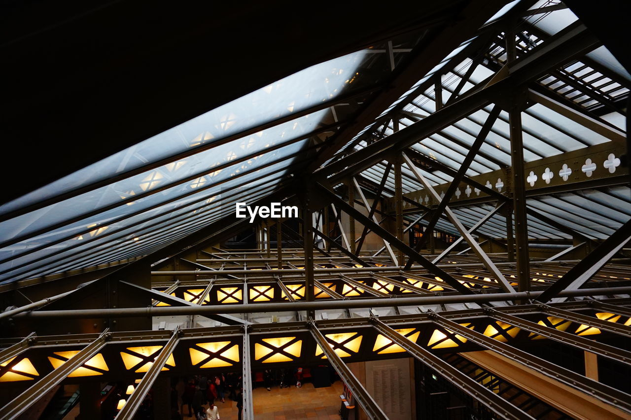 LOW ANGLE VIEW OF METAL BRIDGE