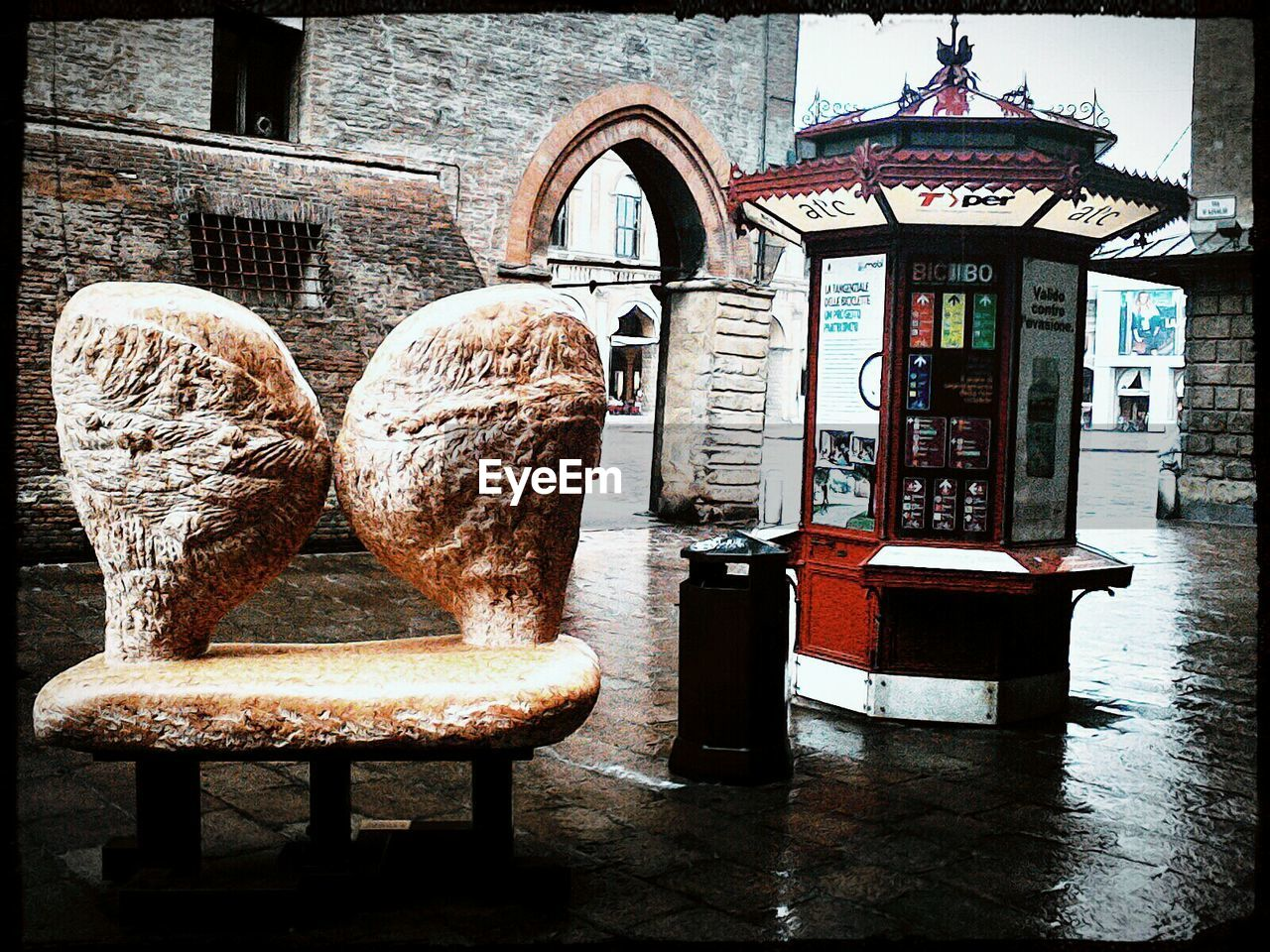 chair, history, architecture, armchair, no people, ancient, old-fashioned, built structure, day, indoors, building exterior