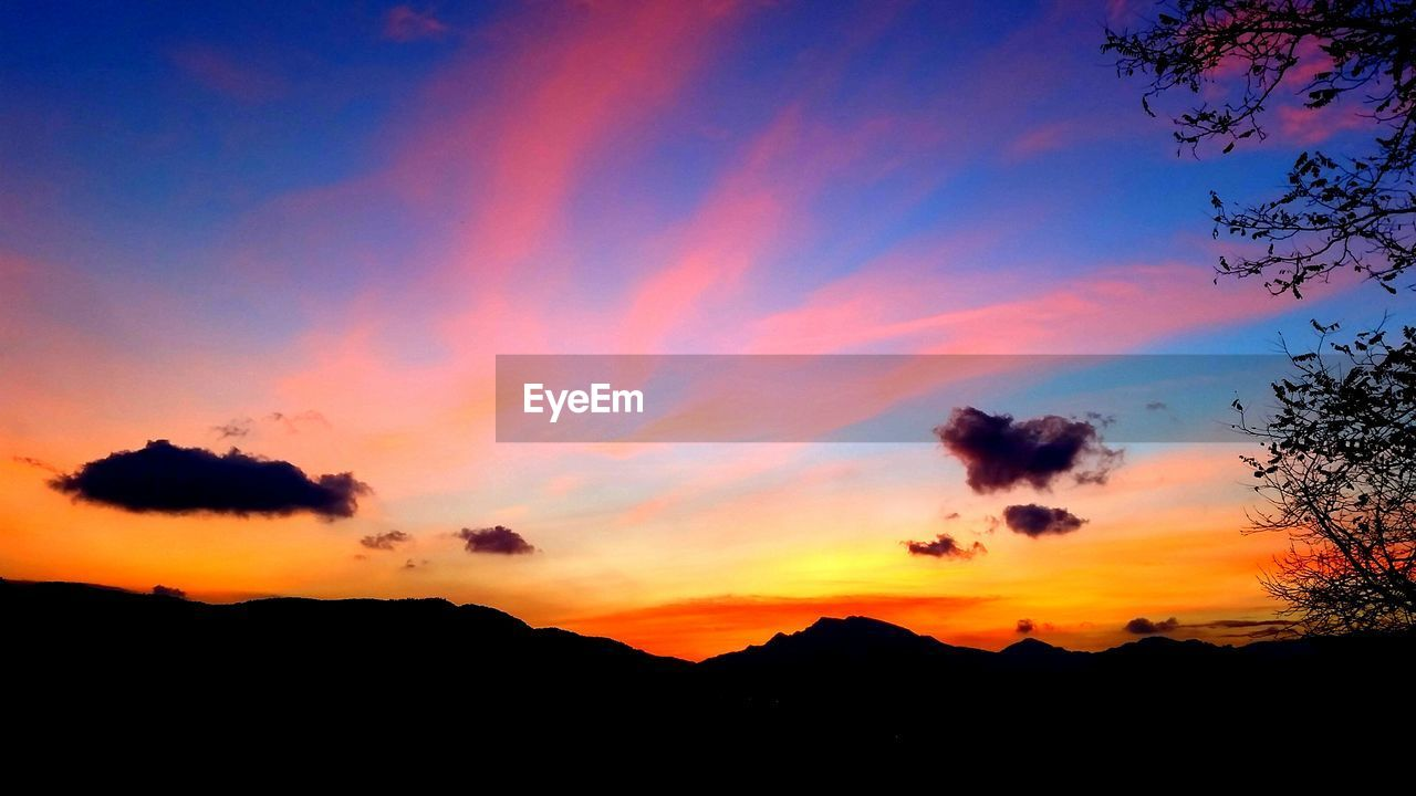sunset, silhouette, beauty in nature, nature, sky, orange color, scenics, tranquil scene, tranquility, no people, idyllic, mountain, cloud - sky, outdoors