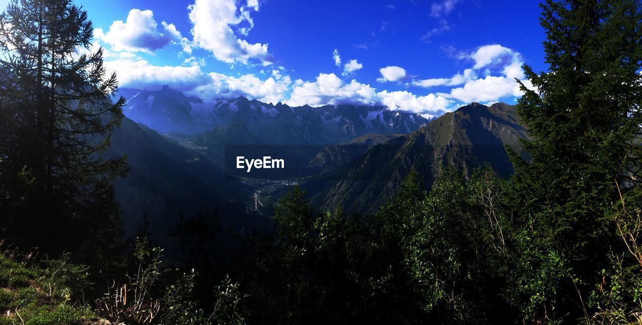 mountain, nature, sky, beauty in nature, tree, outdoors, forest, day, landscape, no people, scenery, range