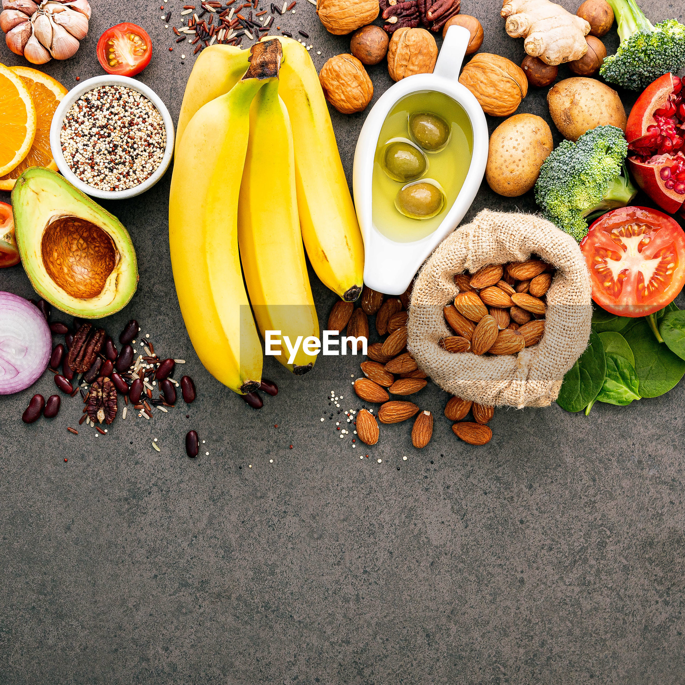 HIGH ANGLE VIEW OF FRUITS IN BOWL ON FLOOR