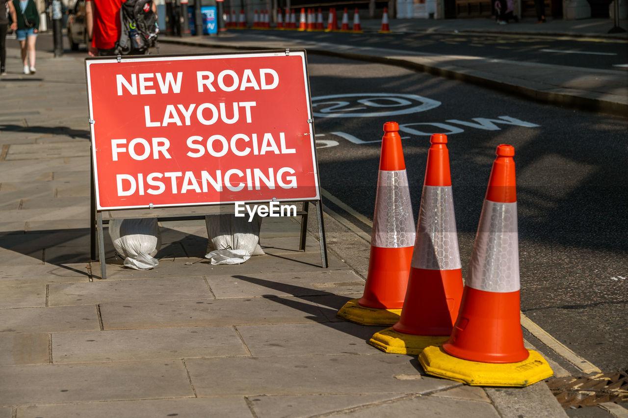 INFORMATION SIGN ON STREET