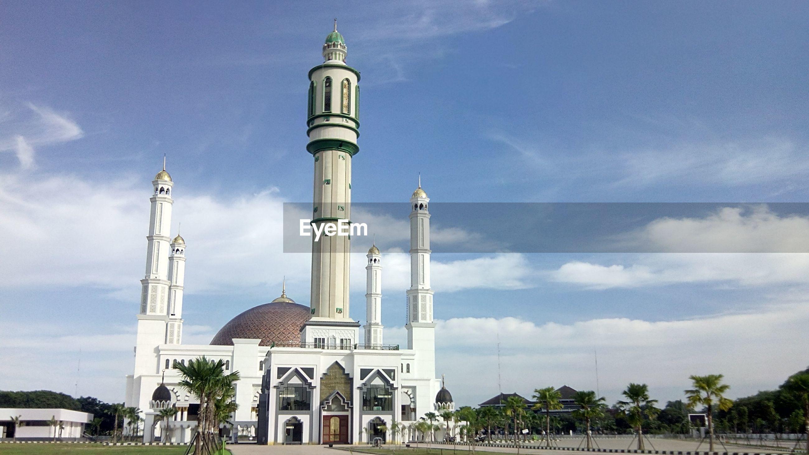 Exterior of masjid raya mujahidin against sky