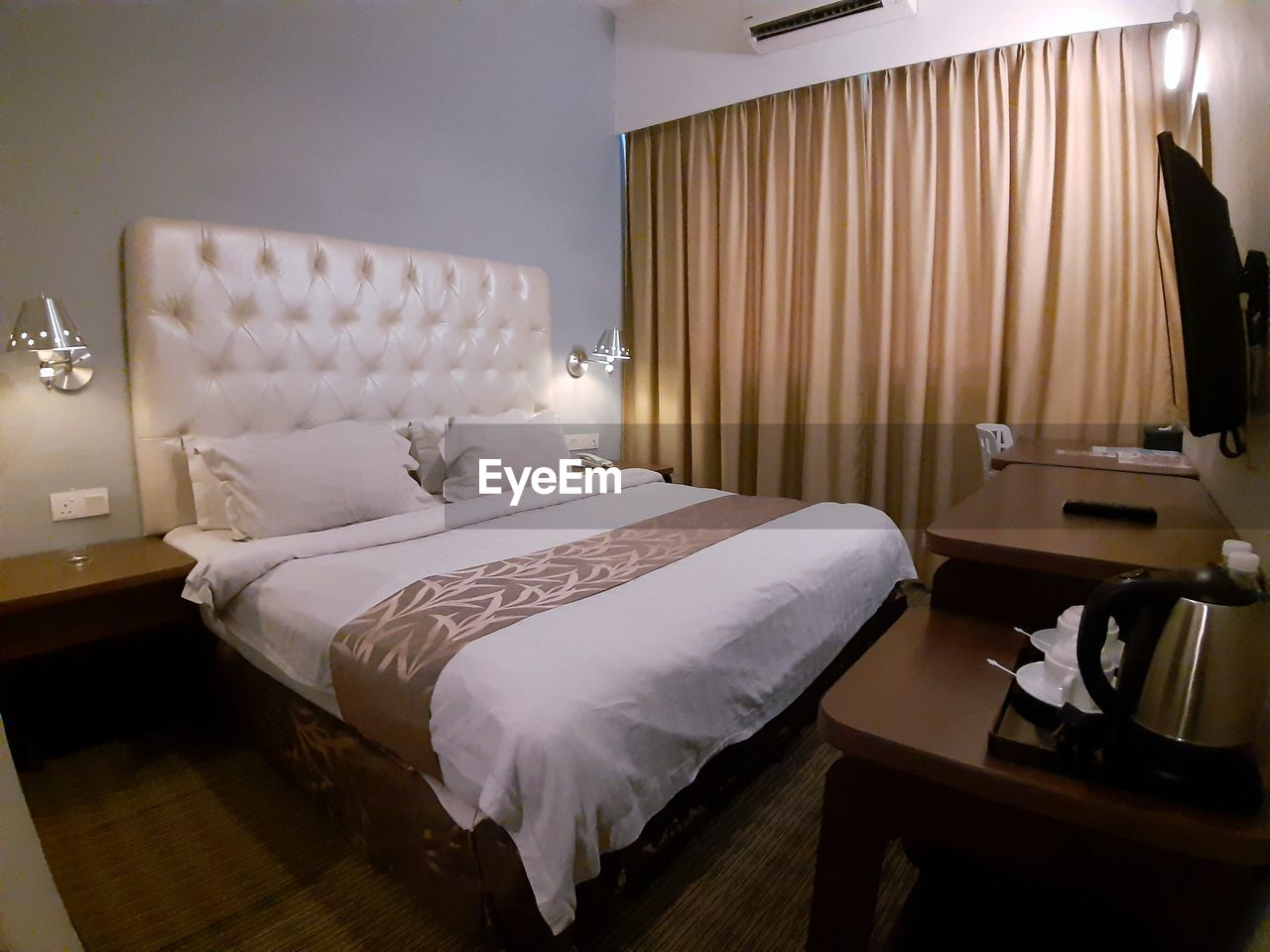 furniture, bed, pillow, indoors, absence, empty, bedroom, domestic room, no people, wealth, luxury, home showcase interior, home, home interior, stuffed, lighting equipment, seat, curtain, comfortable, cushion, hotel room, modern, electric lamp
