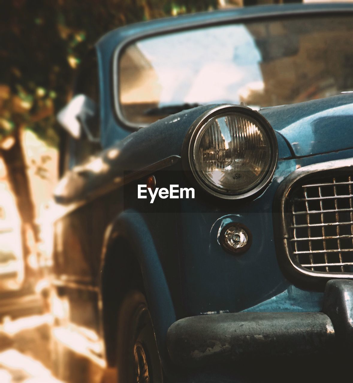 mode of transport, car, land vehicle, transportation, headlight, old-fashioned, day, no people, close-up, outdoors