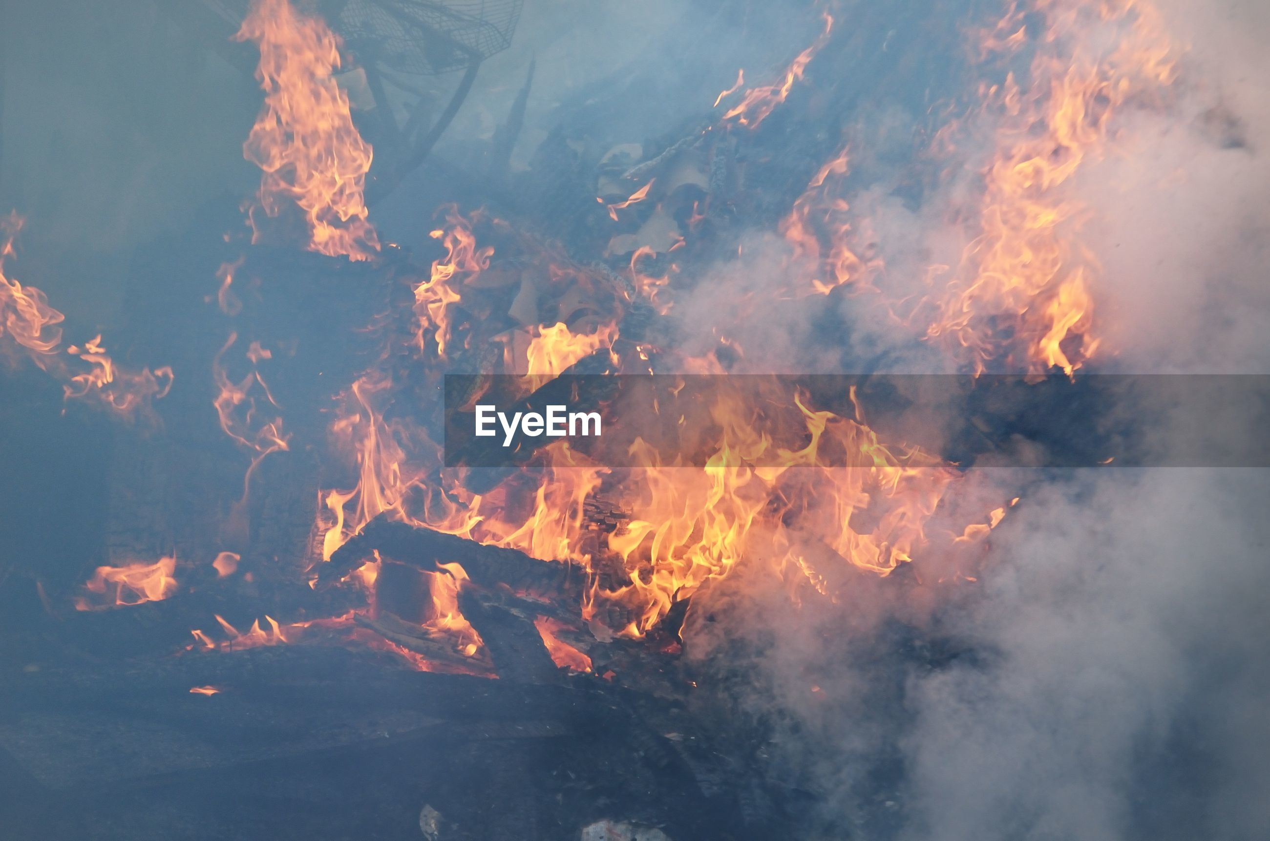 AERIAL VIEW OF FIRE AGAINST SKY
