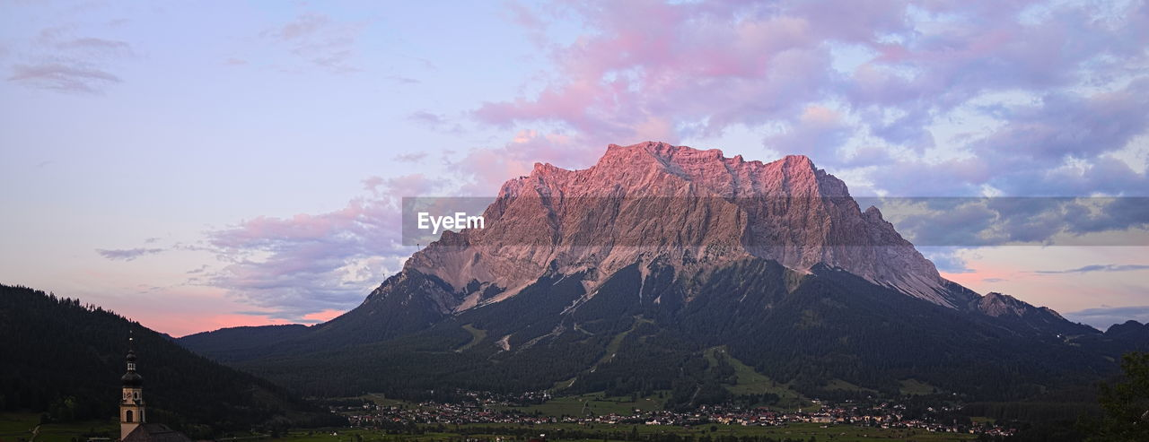 mountain, sky, scenics, nature, tranquil scene, beauty in nature, mountain range, tranquility, outdoors, no people, peak, day