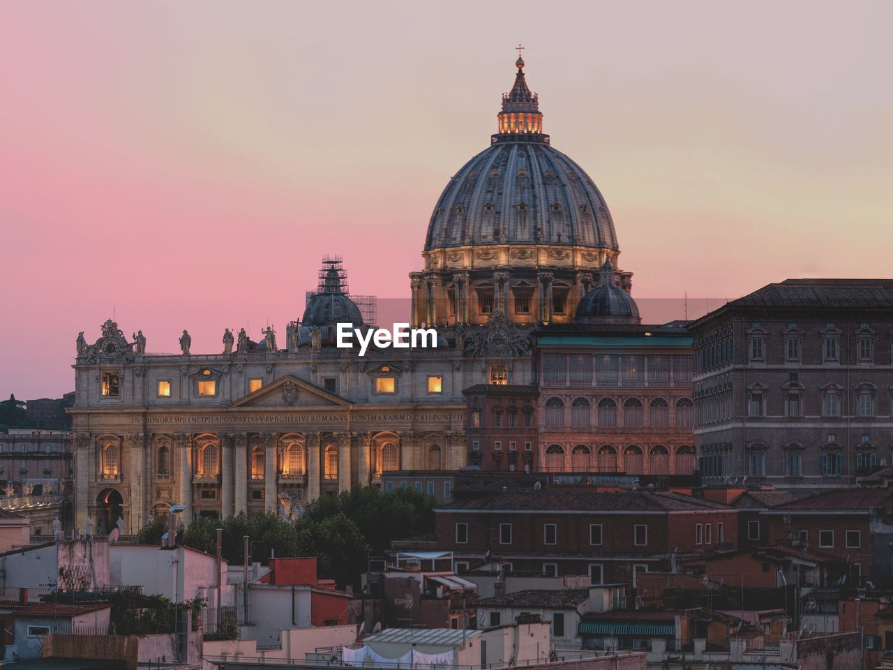 building exterior, architecture, built structure, dome, sky, building, sunset, city, travel destinations, travel, tourism, religion, place of worship, nature, spirituality, the past, belief, history, no people, outdoors, cityscape, government