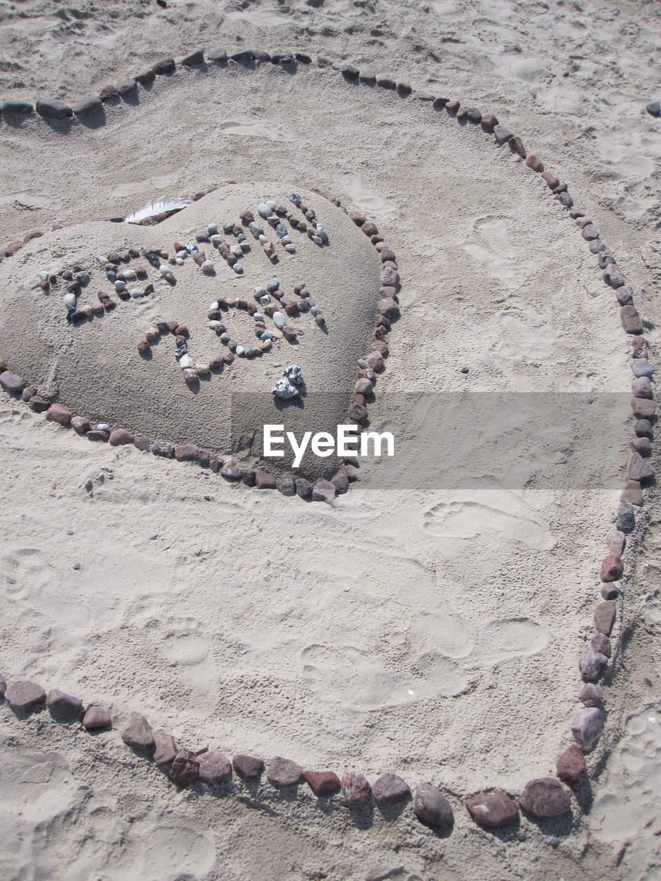 sand, heart shape, beach, no people, day, high angle view, footprint, outdoors, nature, close-up