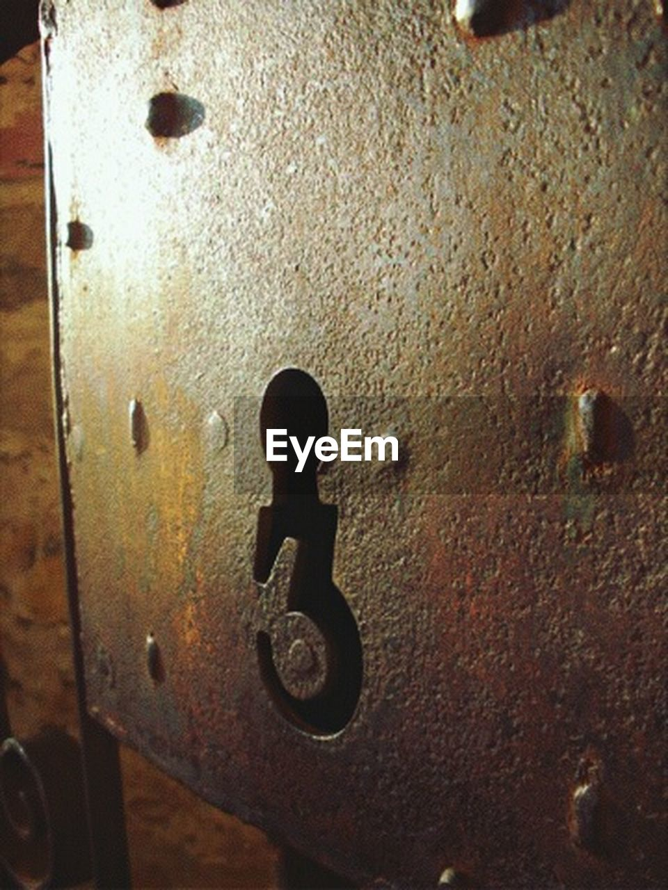 door, close-up, metal, no people, full frame, textured, outdoors, day, hinge