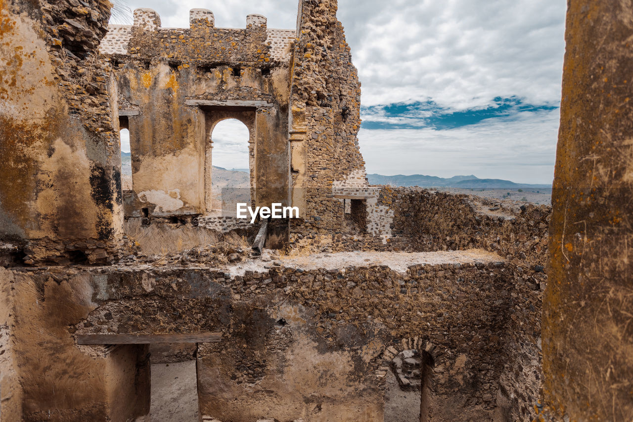 VIEW OF OLD RUIN BUILDING
