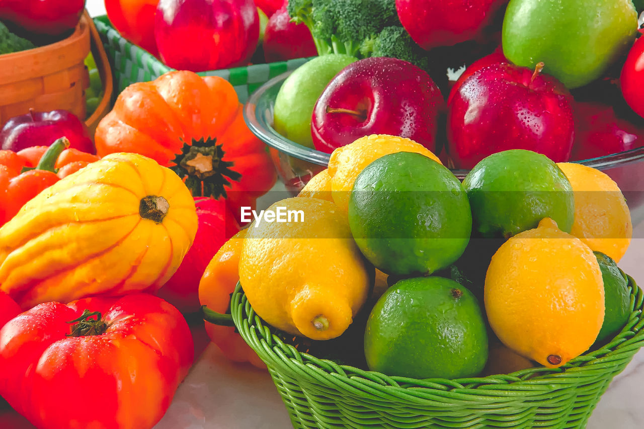 food, food and drink, healthy eating, freshness, wellbeing, fruit, orange color, still life, no people, container, close-up, large group of objects, choice, variation, basket, vegetable, red, pepper, orange - fruit, abundance, orange, ripe