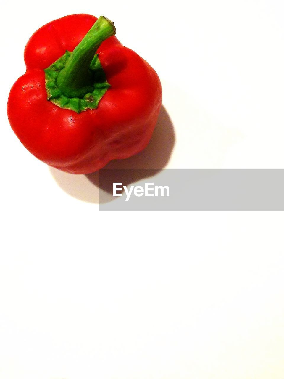 white background, food and drink, food, studio shot, red, freshness, copy space, vegetable, cut out, healthy eating, bell pepper, no people, red bell pepper, close-up, indoors, day