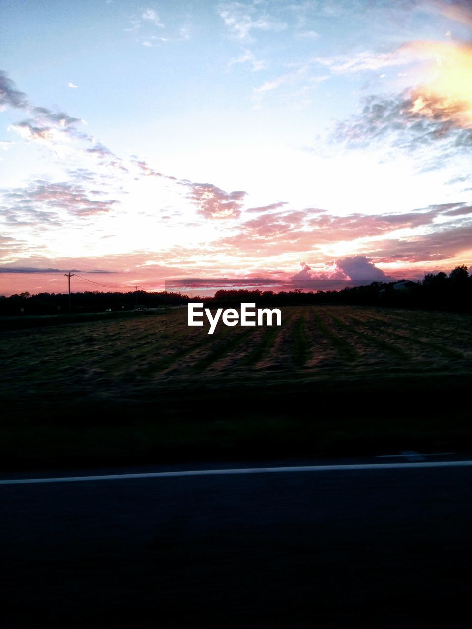 sky, sunset, scenics - nature, cloud - sky, beauty in nature, tranquil scene, tranquility, landscape, nature, land, environment, no people, field, idyllic, non-urban scene, outdoors, horizon, orange color, grass, sun
