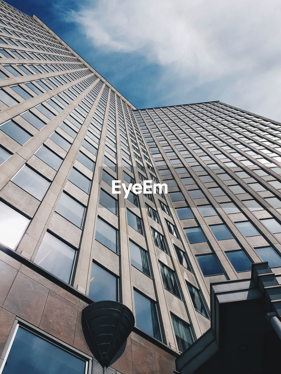 architecture, built structure, low angle view, building exterior, modern, sky, city, day, skyscraper, outdoors, no people