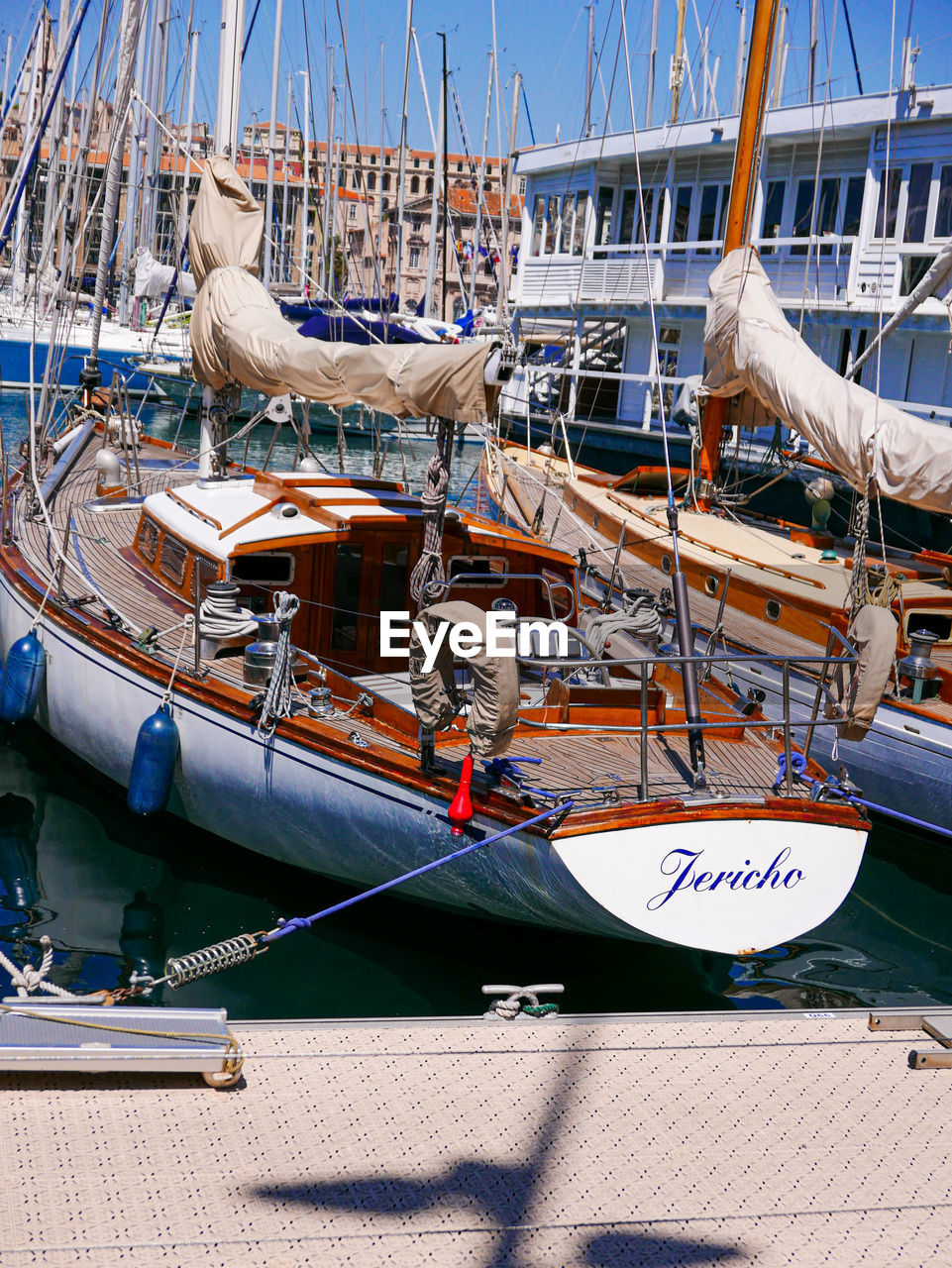 nautical vessel, mode of transportation, transportation, water, moored, harbor, sailboat, day, no people, sea, rope, nature, mast, outdoors, animal, vertebrate, animal themes, travel, architecture, seagull, fishing boat, fishing industry