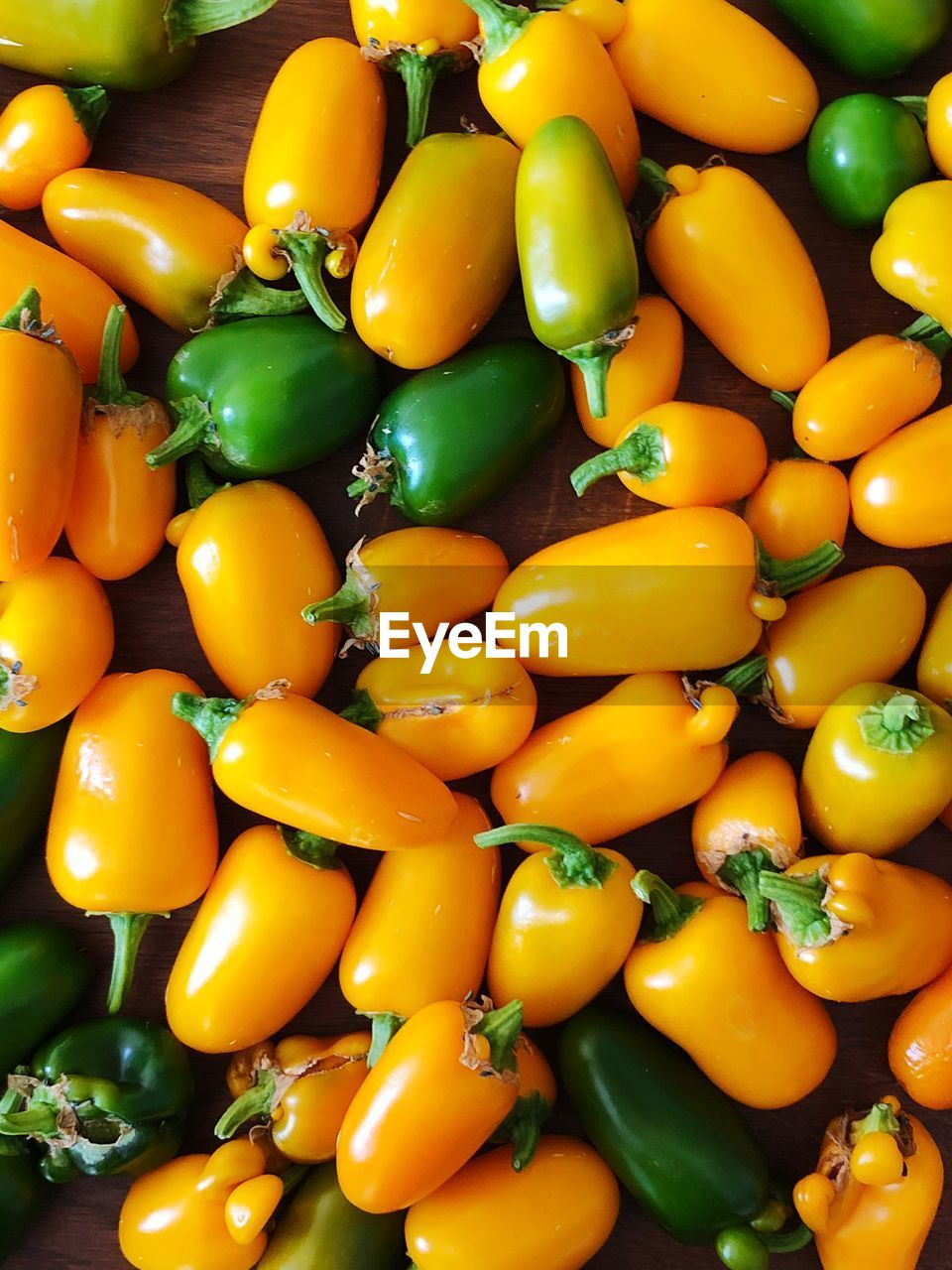 FULL FRAME SHOT OF BELL PEPPERS