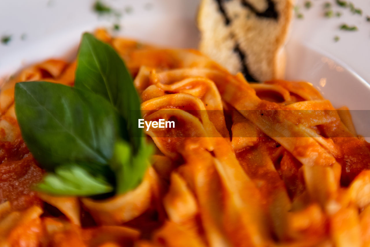 food, food and drink, freshness, ready-to-eat, indoors, close-up, serving size, plate, still life, no people, selective focus, indulgence, healthy eating, vegetable, meal, wellbeing, italian food, leaf, herb, fried, garnish, temptation, snack, crockery, coriander, breakfast
