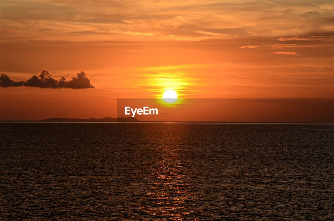 sunset, sky, beauty in nature, scenics - nature, sea, orange color, water, horizon over water, cloud - sky, tranquility, horizon, tranquil scene, sun, waterfront, idyllic, nature, non-urban scene, no people, sunlight, outdoors