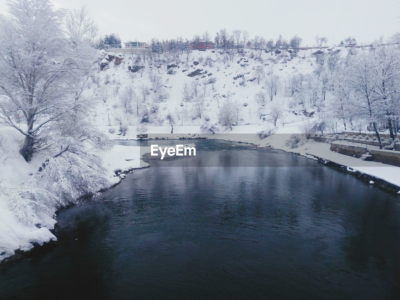 cold temperature, winter, snow, nature, beauty in nature, water, tree, tranquil scene, river, tranquility, ice, frozen, scenics, no people, outdoors, day, landscape, sky, iceberg