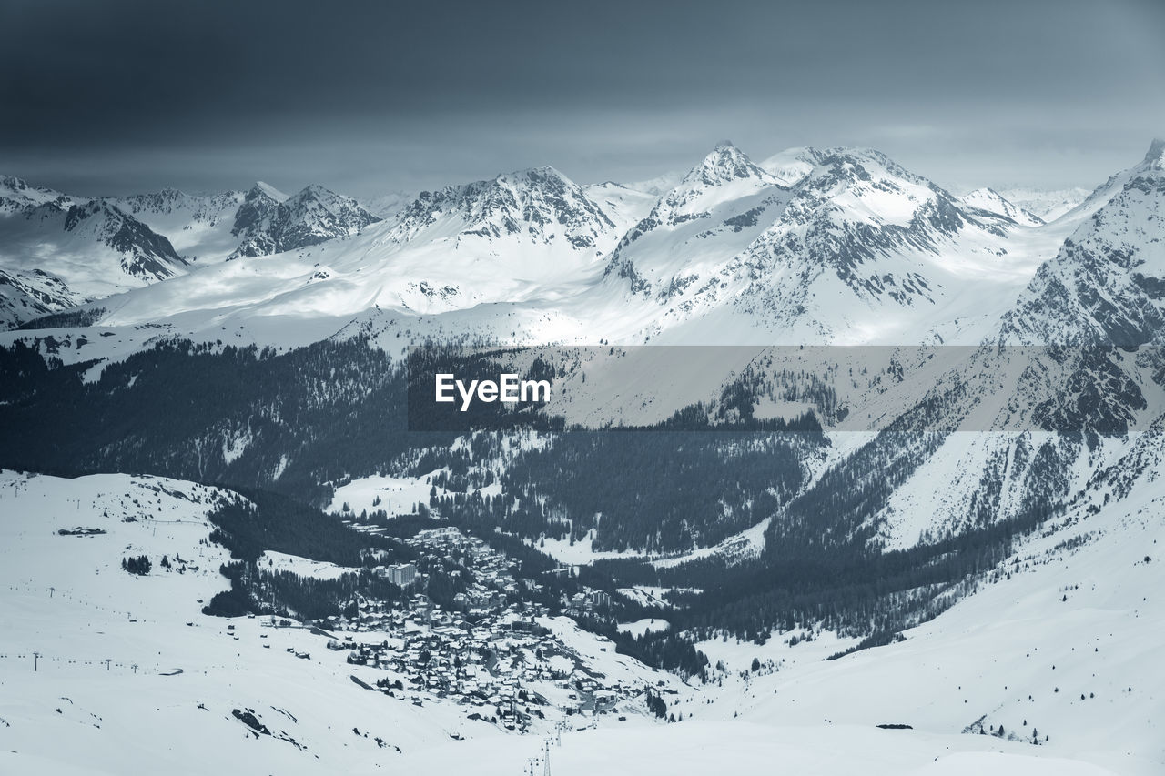 snow, winter, cold temperature, mountain, beauty in nature, scenics - nature, environment, snowcapped mountain, tranquil scene, tranquility, landscape, mountain range, nature, non-urban scene, no people, white color, sky, day, covering, range, mountain peak