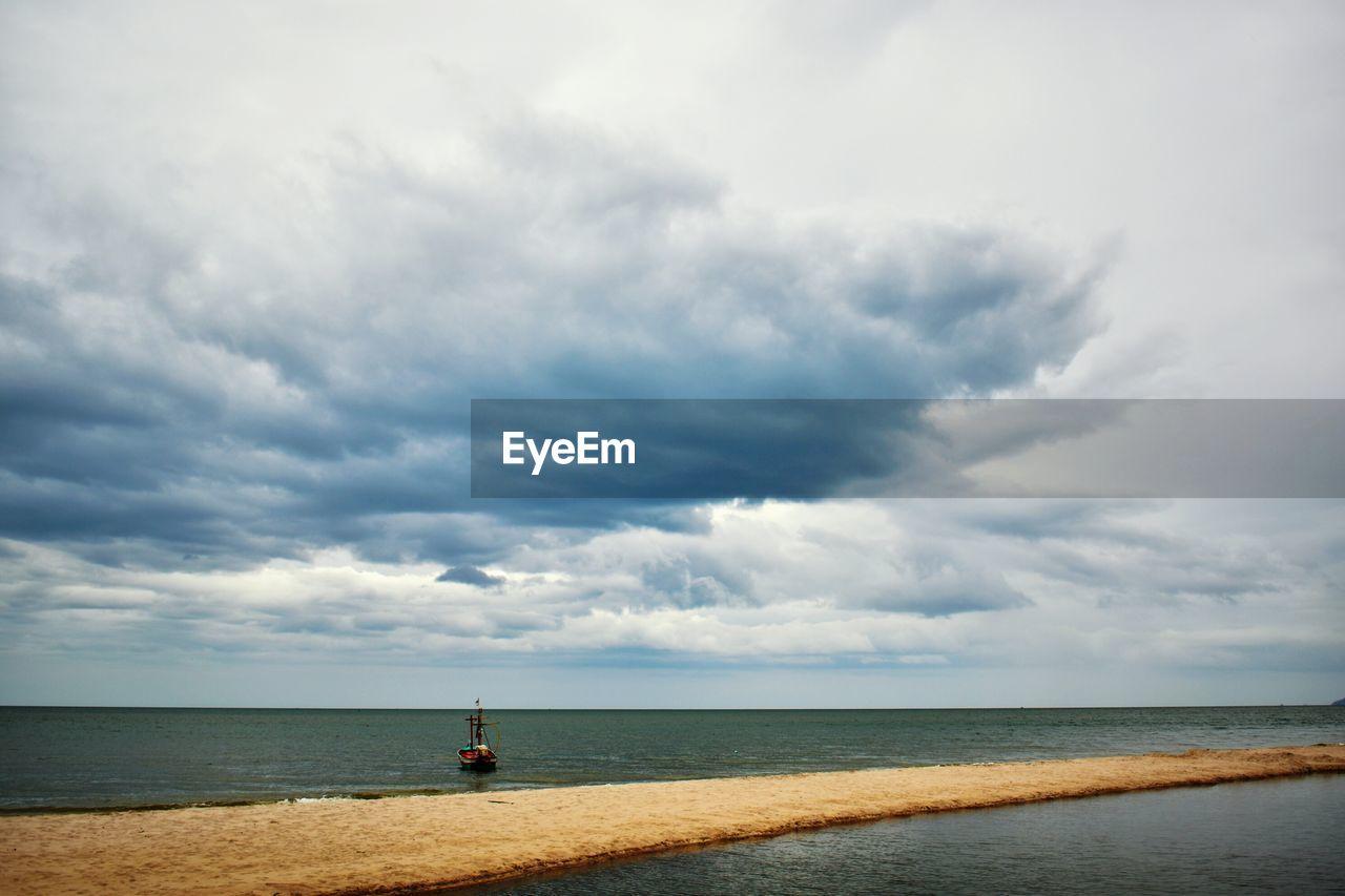 sky, cloud - sky, sea, water, horizon, horizon over water, scenics - nature, beauty in nature, beach, land, tranquil scene, day, nature, no people, tranquility, outdoors, non-urban scene, idyllic