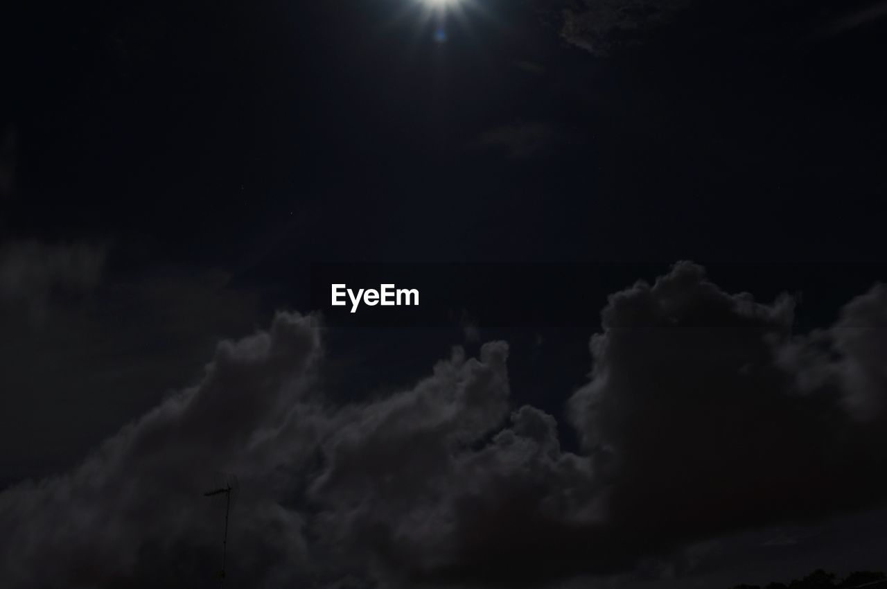 sky, cloud - sky, low angle view, tranquility, beauty in nature, nature, night, scenics, tranquil scene, no people, outdoors, sky only, moon