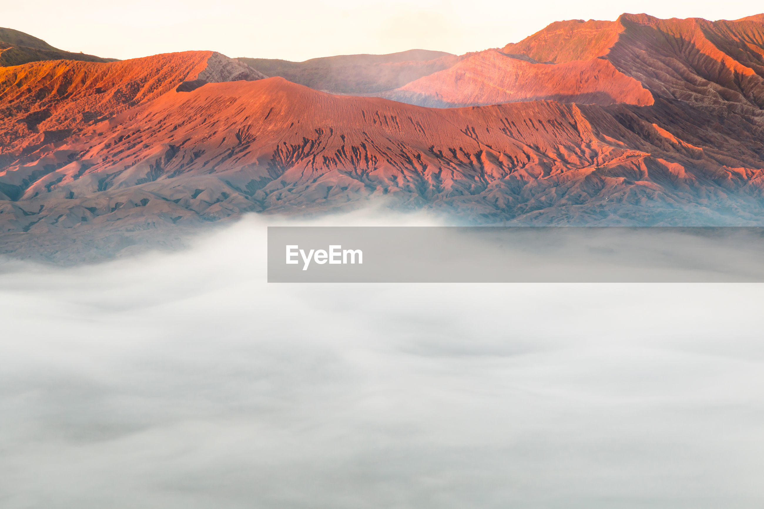 SCENIC VIEW OF VOLCANIC MOUNTAINS AGAINST SKY