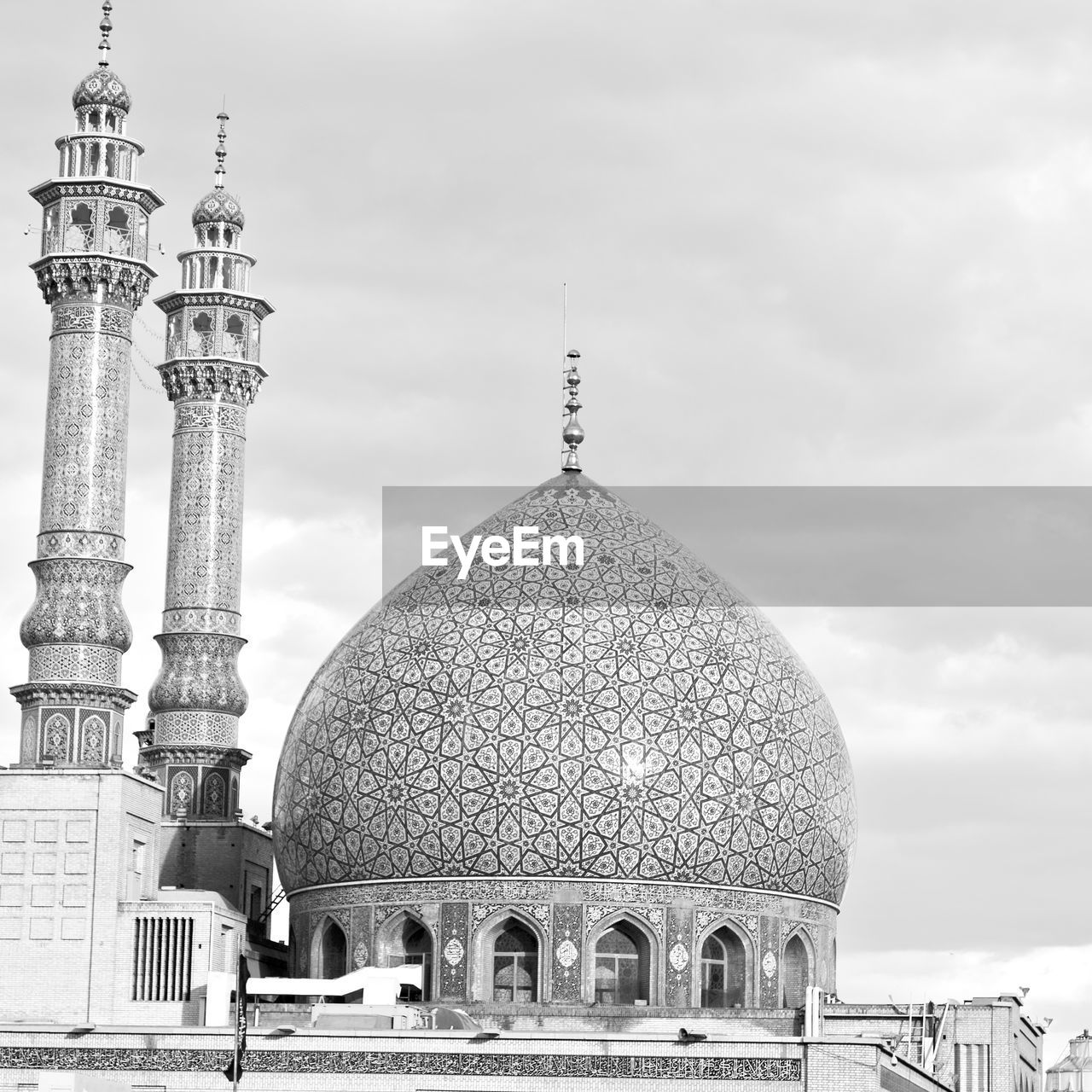 architecture, built structure, sky, building exterior, dome, building, travel destinations, travel, tourism, religion, history, the past, cloud - sky, place of worship, belief, city, low angle view, nature, arch, no people, outdoors, spire, architectural column, ornate