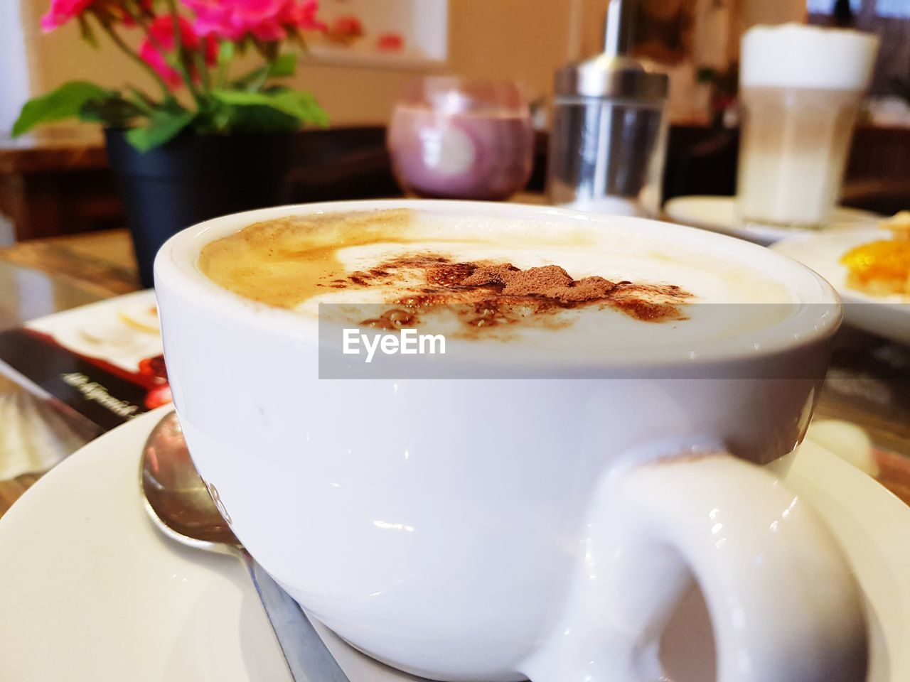 coffee cup, coffee - drink, drink, food and drink, indoors, table, frothy drink, close-up, refreshment, cappuccino, no people, latte, freshness, food, froth art, day