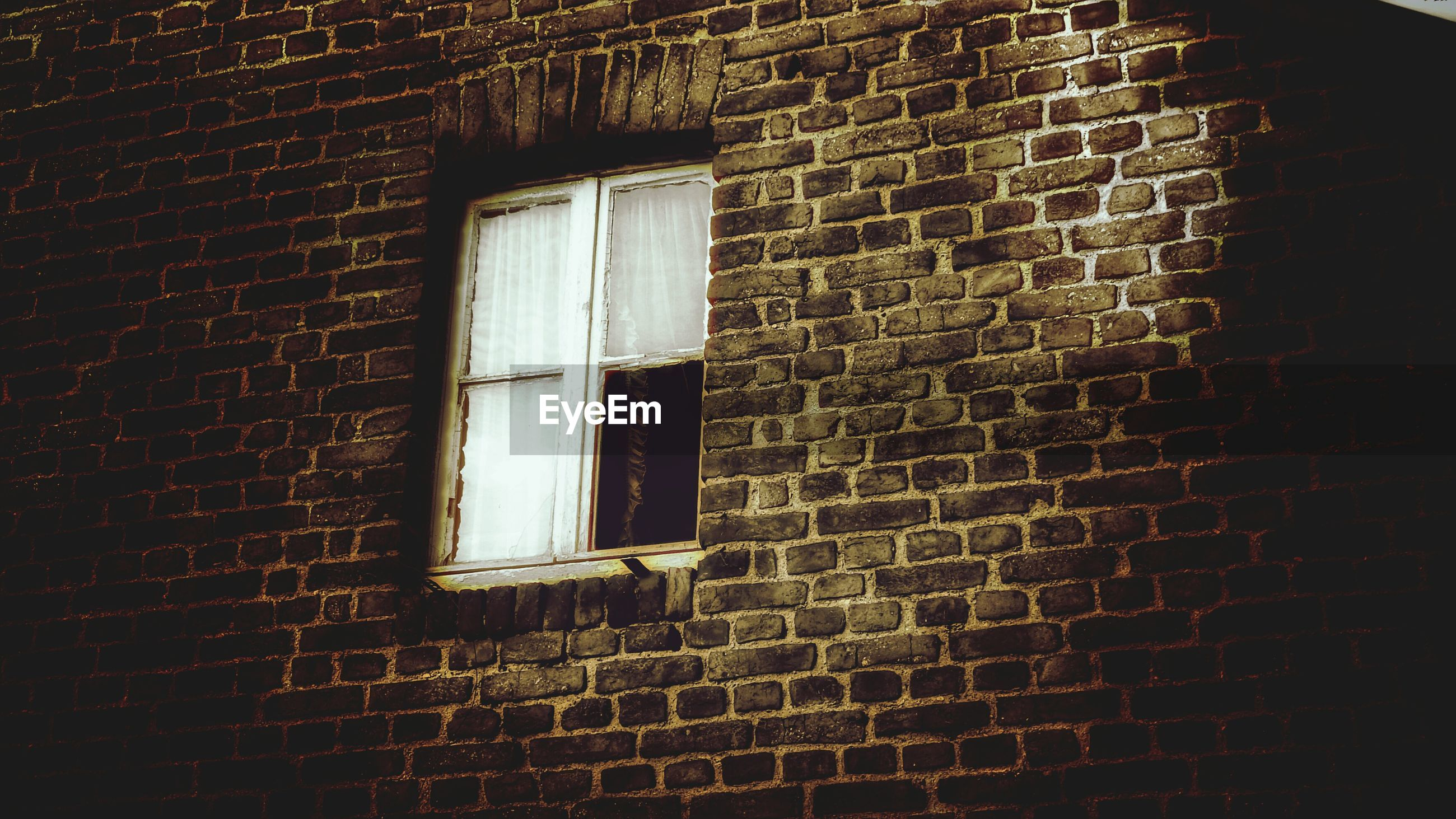 window, built structure, architecture, building exterior, house, abandoned, old, brick wall, closed, damaged, obsolete, door, wall - building feature, weathered, wall, run-down, no people, deterioration, residential structure, day