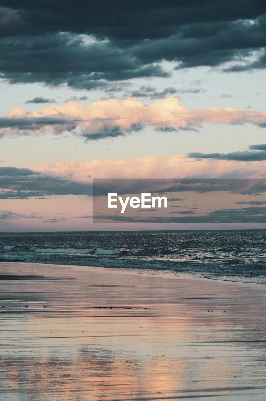 sky, cloud - sky, sea, sunset, scenics - nature, beauty in nature, water, horizon over water, horizon, tranquility, tranquil scene, land, beach, nature, no people, orange color, idyllic, outdoors, non-urban scene