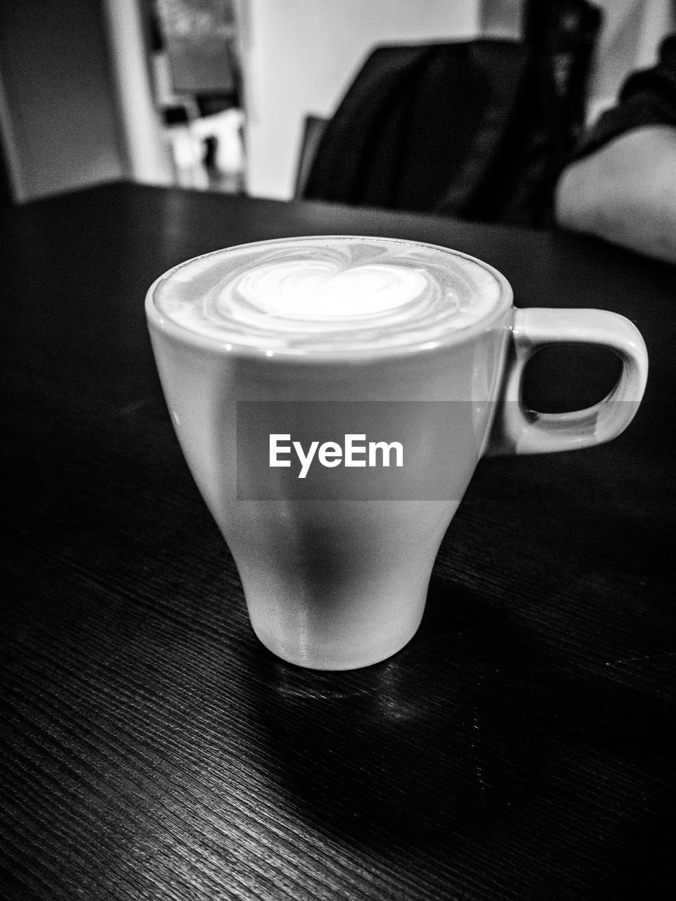 coffee cup, coffee - drink, drink, table, indoors, refreshment, food and drink, still life, close-up, no people, focus on foreground, freshness, frothy drink, day, froth art
