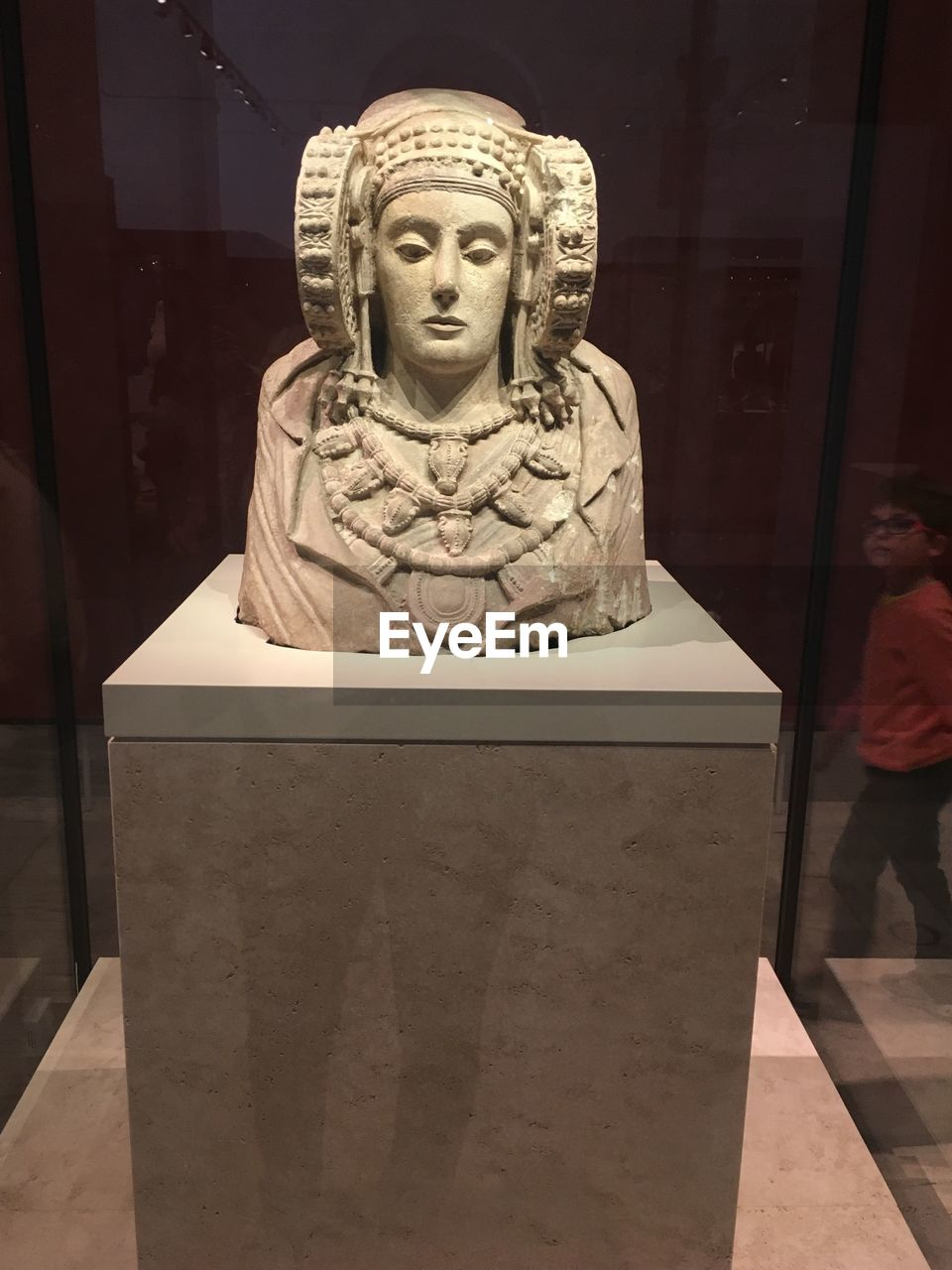 human representation, representation, sculpture, statue, art and craft, male likeness, creativity, religion, spirituality, belief, craft, no people, indoors, female likeness, architecture, store, front view, idol