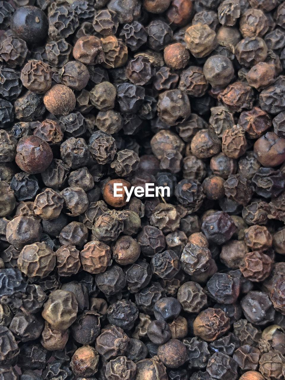 FULL FRAME SHOT OF BLACK AND BEANS