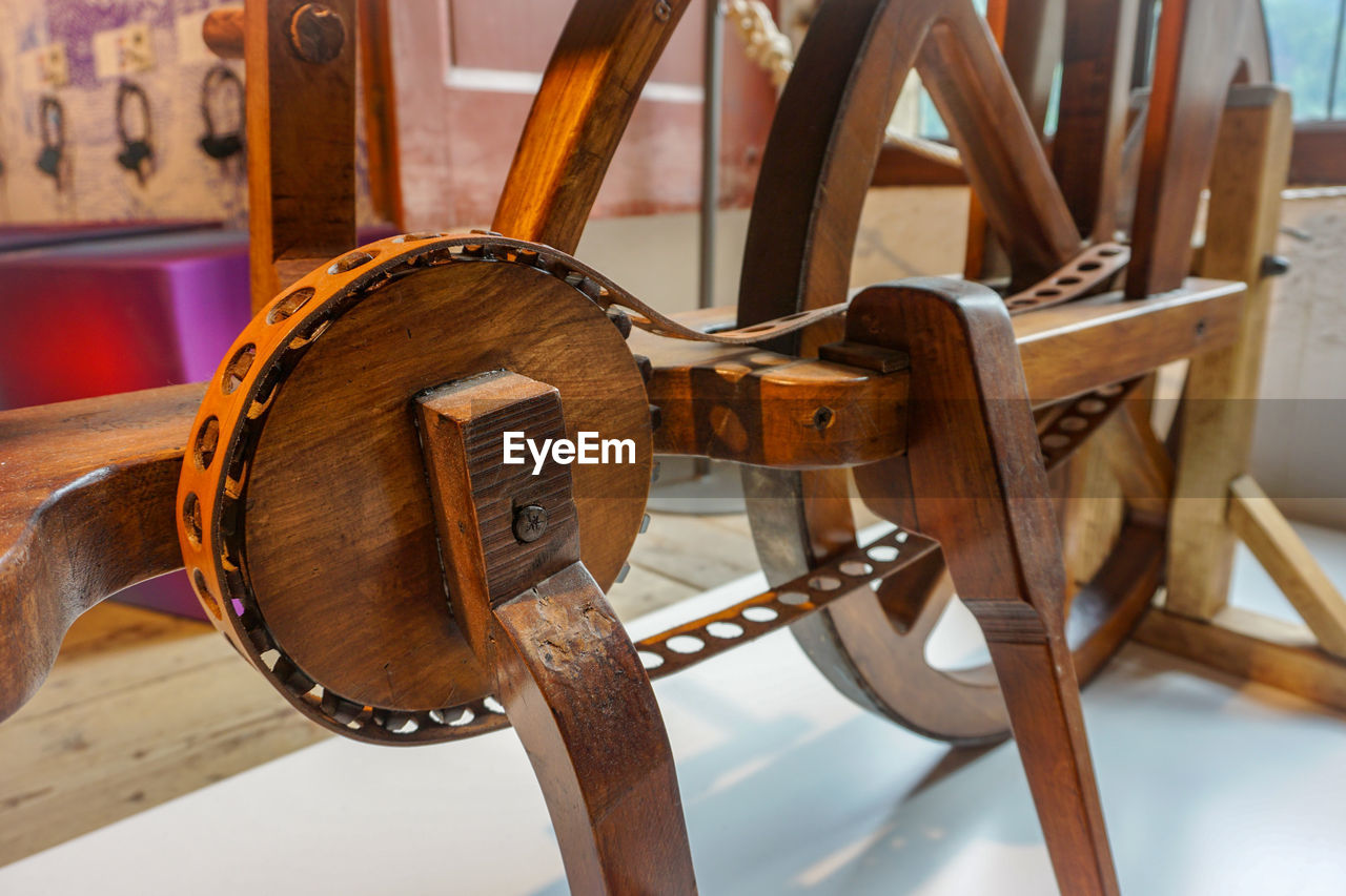 wood - material, musical instrument, music, no people, focus on foreground, indoors, musical instrument string, close-up, day