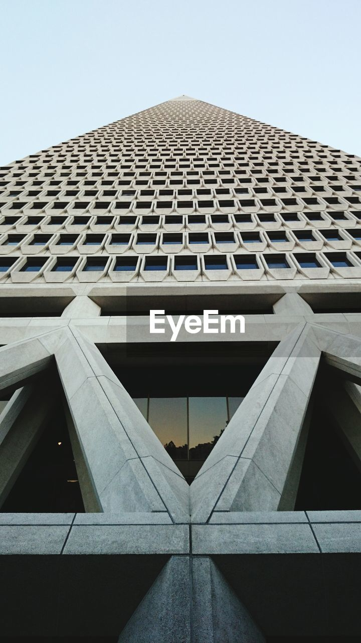 Low Angle View Of Modern Transamerica Pyramid Against Sky