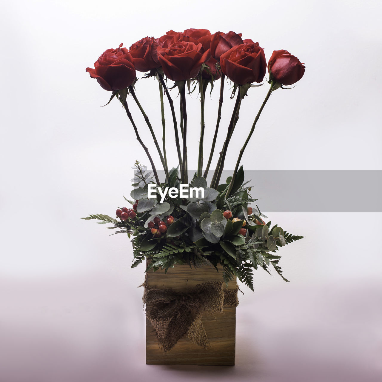 flower, flowering plant, plant, beauty in nature, vulnerability, fragility, freshness, close-up, nature, petal, decoration, growth, vase, flower head, no people, indoors, flower arrangement, red, inflorescence, studio shot, bouquet, sepal