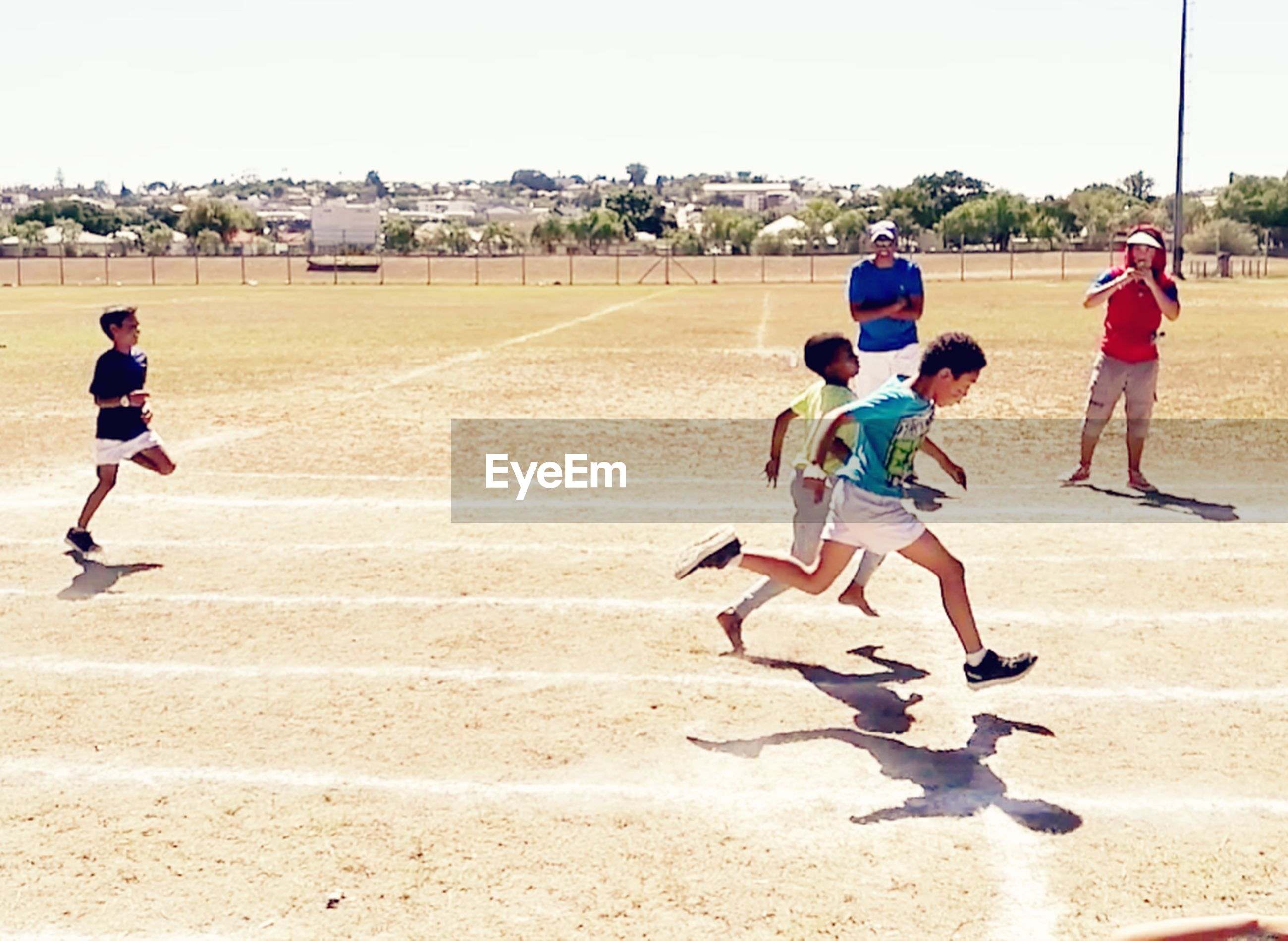 child, boys, sport, baseball - sport, childhood, full length, children only, competition, summer, healthy lifestyle, people, outdoors, pre-adolescent child, beach, sports uniform, day, track and field athlete, large group of people, baseball uniform, togetherness, sports training, athlete, baseball player, track and field, baseball team
