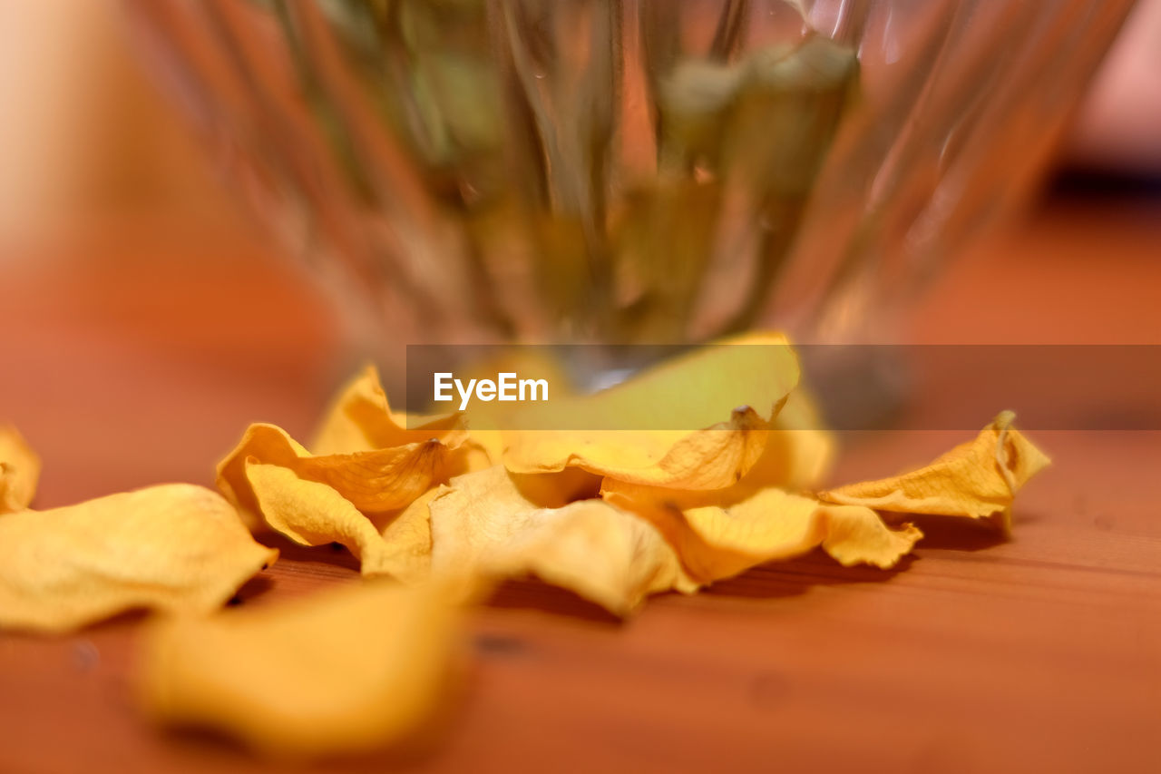 food and drink, selective focus, close-up, indoors, freshness, food, no people, yellow, fragility, day