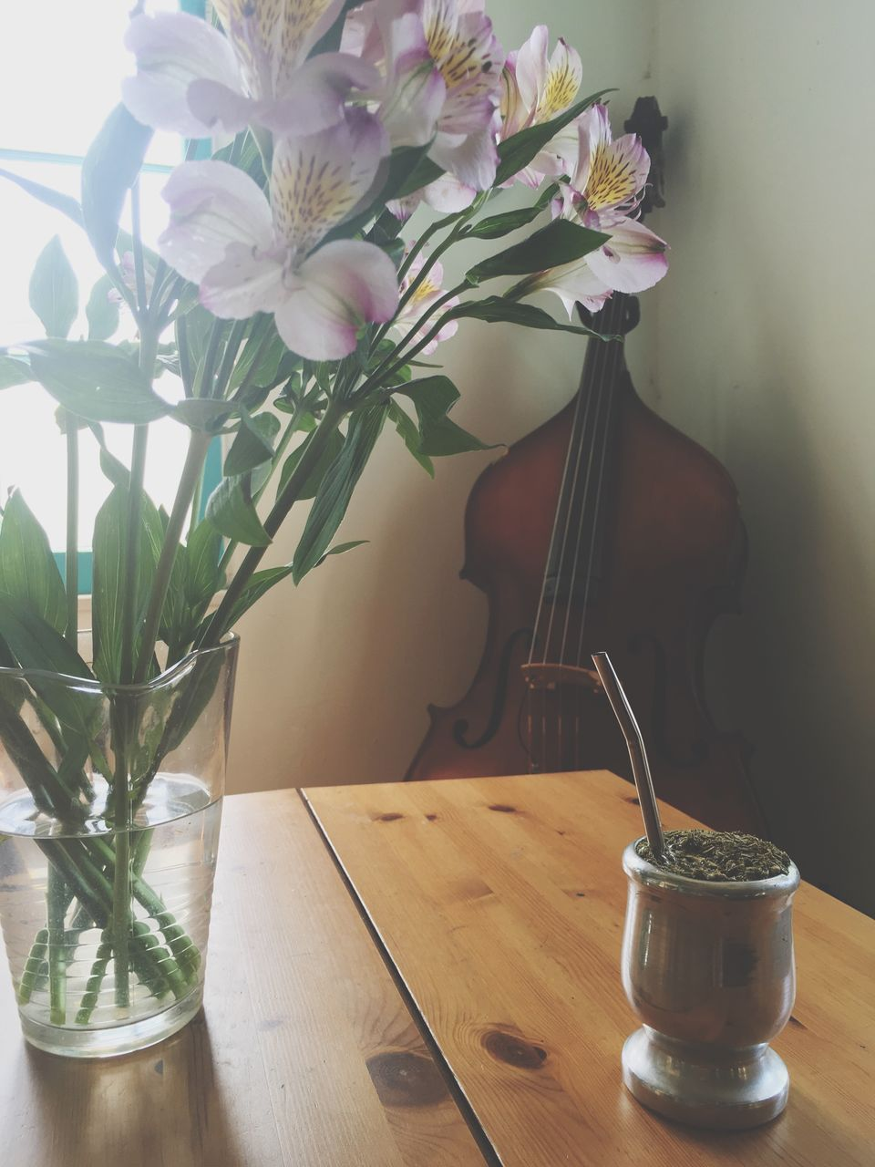 table, vase, flower, indoors, wood - material, potted plant, no people, home interior, plant, fragility, freshness, nature, day, close-up, flower head
