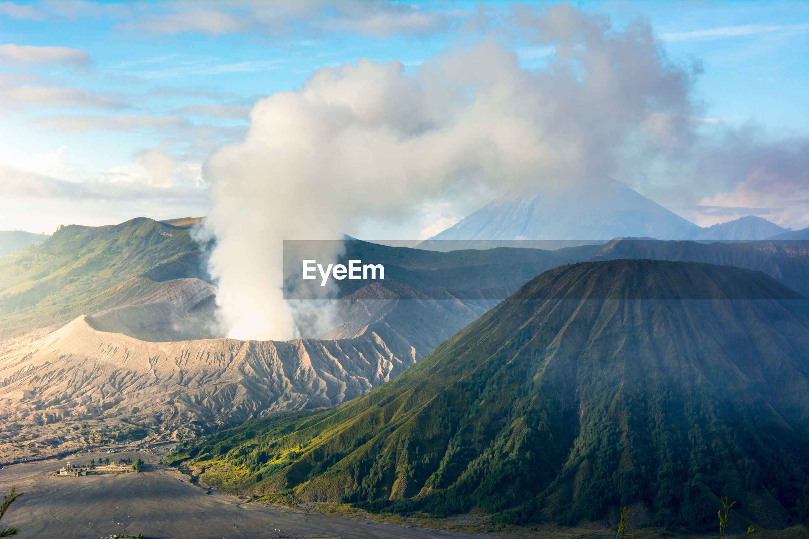 Mount bromo volcano during sunrise from viewpoint on mount penanjakan. indonesia