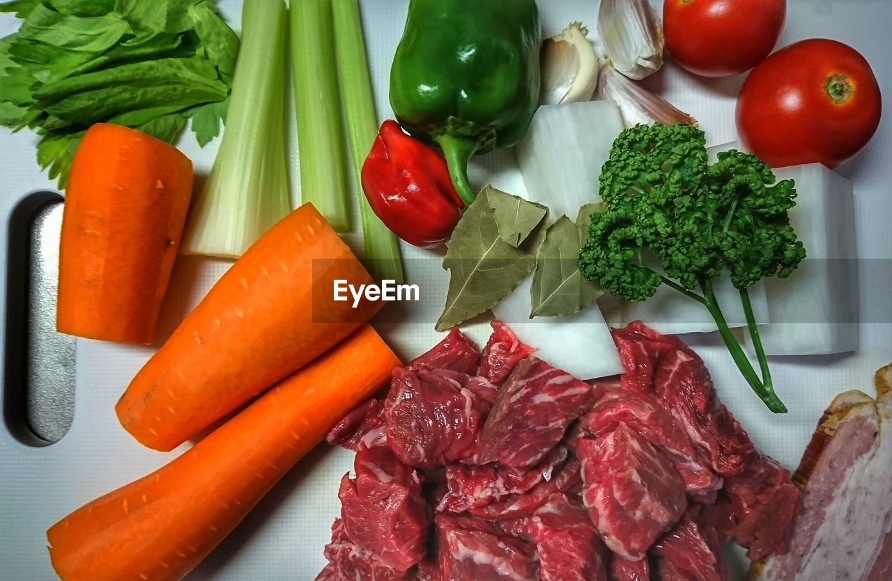 vegetable, food and drink, food, healthy eating, freshness, wellbeing, carrot, still life, root vegetable, broccoli, indoors, red, fruit, meat, high angle view, no people, tomato, raw food, close-up, green, chopped