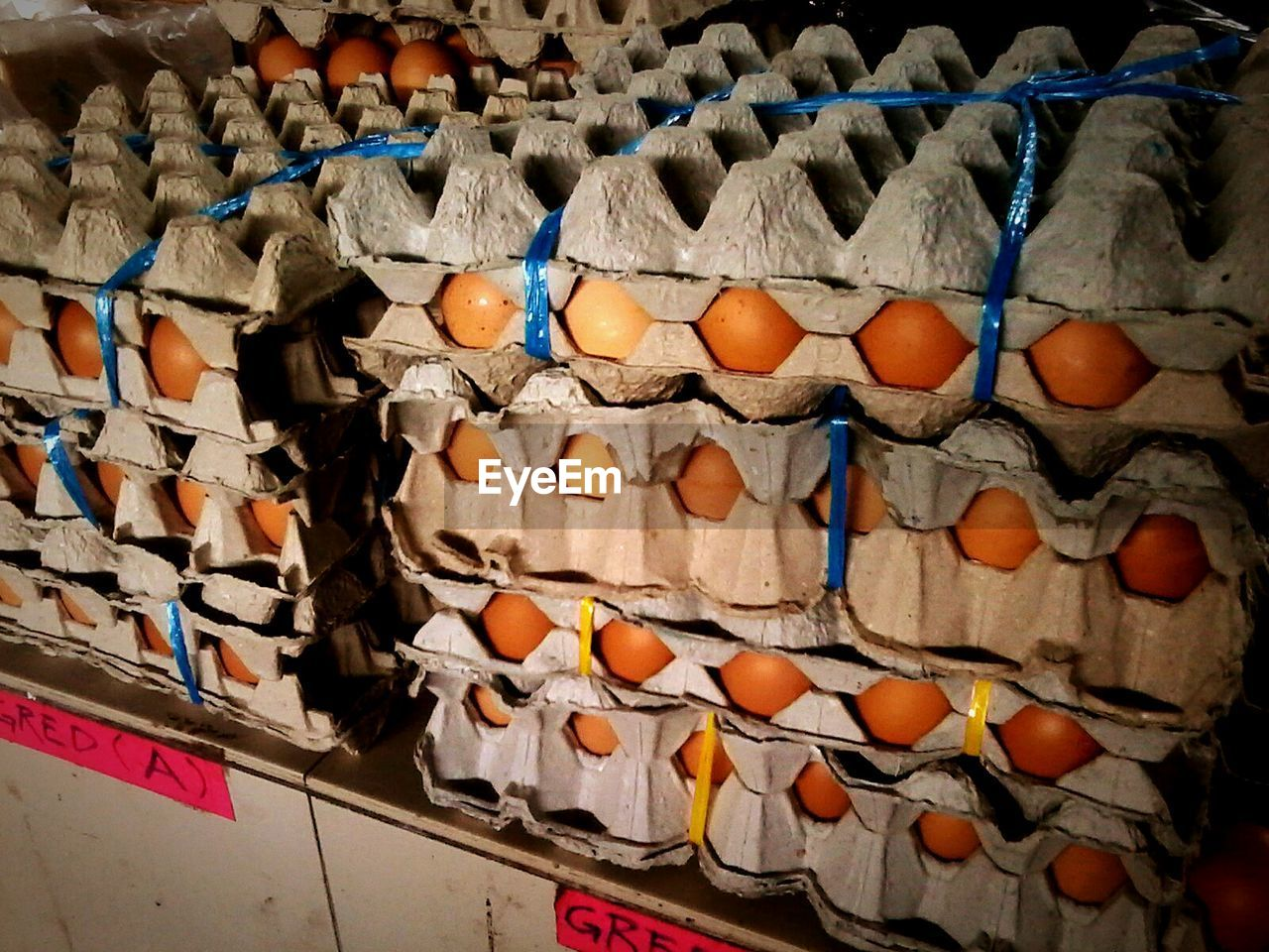egg, egg carton, large group of objects, abundance, no people, arrangement, indoors, day, food, close-up