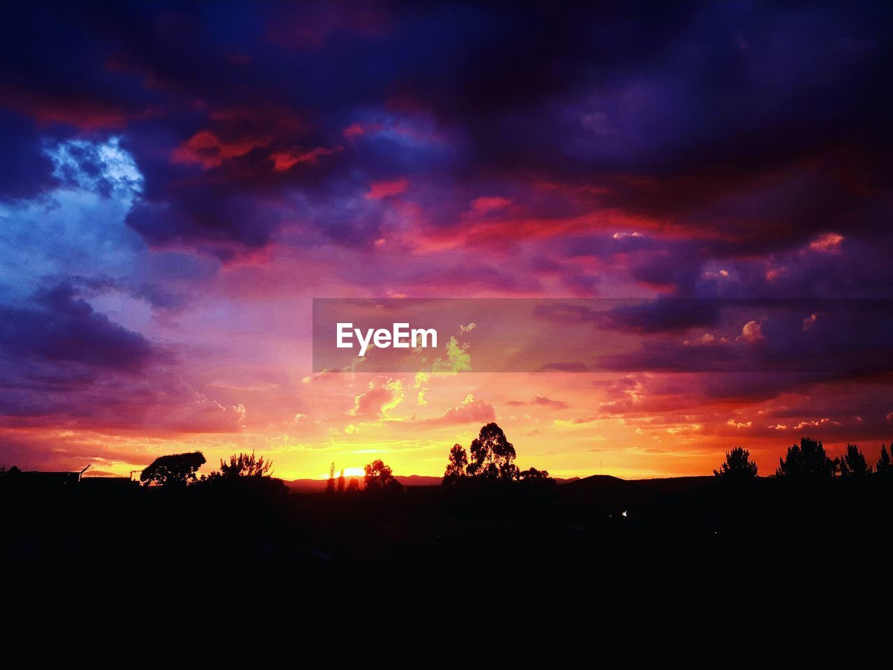 sky, sunset, cloud - sky, silhouette, beauty in nature, scenics - nature, tranquil scene, tranquility, orange color, nature, no people, environment, idyllic, non-urban scene, landscape, tree, plant, dramatic sky, outdoors, majestic