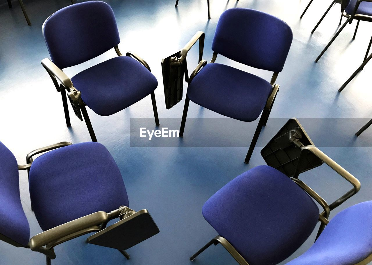 chair, indoors, seat, in a row, empty, absence, no people, waiting room, classroom, office chair, education, auditorium, folding chair, day